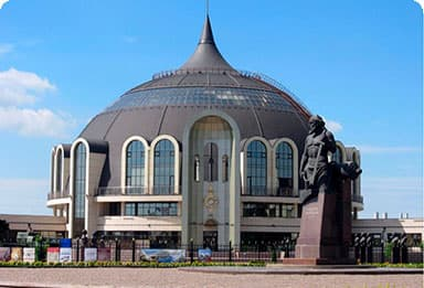 Музей Оружия, памятник Демидову в Туле