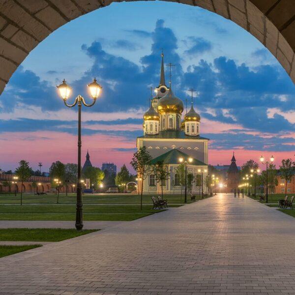 Вид на Успенский собор из стен Тульского кремля
