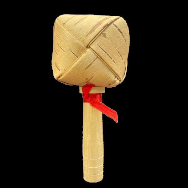 Погремушка на палочке из бересты
