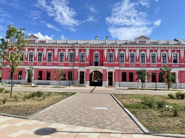 музей ЛНТ Толстой на улице Металлистов