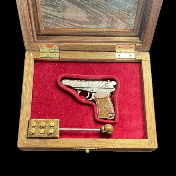 miniatyura-pistoleta-makarov-dejstvuyushhij-1.png